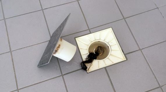 ¿El desagüe de la ducha está atascado? 5 consejos para ...