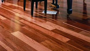 Varnished parquet